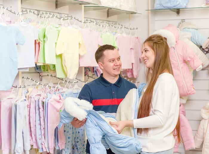 Những giấc mơ có liên quan đến việc đi mua đồ sơ sinh thường mang điềm báo về chuyện tình cảm và công việc