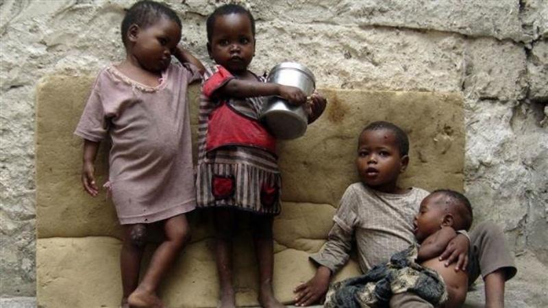 Mộng thấy nhiều trẻ em bị chết do nghèo khổ, đói khát đánh con 16 - 41